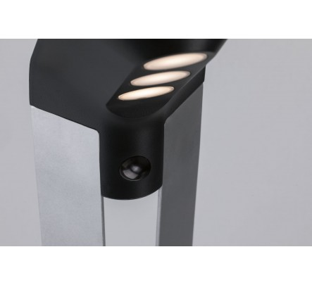 Pastatomas šviestuvas su saulės baterija